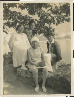 Wang Jingwei with Chen Bijun, Wang Wenying and Wang Wenxing at Lake Lausanne before returning to China, September 1929
