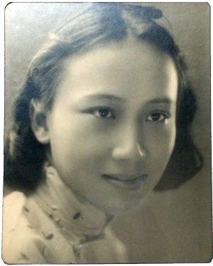Wang Wenxing in her 20s